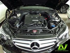 Mercedes Benz E200 CGI 2.0 AT Sport Saloon Exterior :  Solid Black Interior  :  Lugano Leather Chestnut Brown/Black  LV Auto Import and Service ฝ่ายขาย โทร. 02-253-1234 ต่อ 101 หรือ 083-113-1313 ฝ่าย Service โทร. 02-253-1234 ต่อ 201 หรือ 086-319-2323 www.lvautoimport.com www.facebook.com/lvautoimport www.instagram.com/lvautoimport