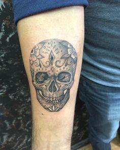 a3d7d31c8 ... #tattoos #tattoo #calavera #calaveratattoo #skull #skulltattoo #lines  #linetattoo #acapulcotattoo #acapulco #shadertattoo #flowers #flowertattoo