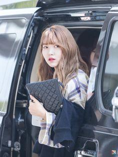 Kpop Girl Groups, Kpop Girls, Gfriend Sowon, Cloud Dancer, G Friend, Airport Style, South Korean Girls, Red Velvet, Most Beautiful