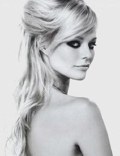 I'm not a blonde.. but I love this smoky eyed look.. it's very Bridgette Bardot...