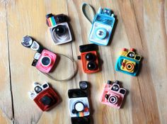Set of 8 Quilled Vintage Toy Cameras - Unique Scrapbooking Embellishments from SweetSpotCardShop on Etsy. Paper Quilling Tutorial, Paper Quilling Patterns, Paper Quilling Jewelry, Quilled Paper Art, Quilling Paper Craft, Quilling 3d, Quilling Keychains, Origami, Toy Camera