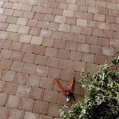 Pavé Mosa en béton, rouge nuancé, L. 10 x l. 10 cm, ép. 40 mm
