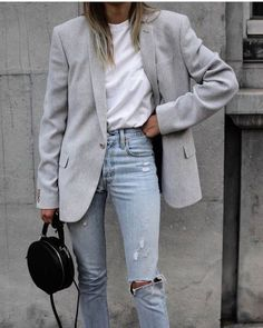 NEW CELEBRITY STYLE - smart casual blue ripped jeans, white t shirt, grey blazer outfit Source by elenakrenn - Outfit Jeans, Blazer Outfits Casual, Grey Outfit, Blue Blazer Outfit, Smart Casual Jeans Outfit, Blazer Dress, Smart Casual Blue, Work Casual, Smart Casual Women