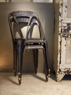 Multipl's Chairs