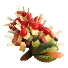10 x a healthy cucumber treat - Eartha - Fruit kabobs Best Fruits, Healthy Fruits, Healthy Snacks, Fruit Kabobs Kids, Fruit Snacks, Fruit Packaging, Watermelon Fruit, New Fruit, Fruit Party