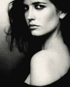 eva green black and white Black And White Portraits, Black And White Photography, Most Beautiful Women, Beautiful People, Actress Eva Green, Catherine Deneuve, French Actress, Glamour, Classic Beauty