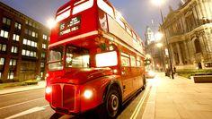 """A partir de hoje """"no more money baby""""! #Ônibus em #Londres não aceitarão mais o pagamento com dinheiro. Saiba mais sobre as mudanças > http://geleia.tv/1hrMIS5"""