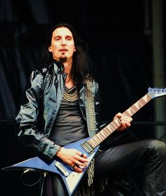 oscar_dronjak_from_hammerfall_by_dietersmusiclife.jpg (600×711)