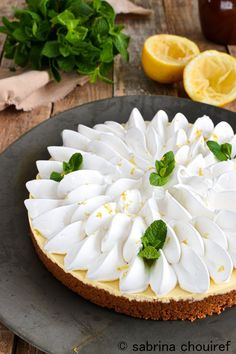 Cream Cheese Lemonade Pie is creamy, tart and full of lemony flavor. Lemon Desserts, Lemon Recipes, Tart Recipes, Sweet Recipes, Delicious Desserts, Dessert Recipes, Cream Cheese Lemonade Pie, Lemon Meringue Tart, Number Cakes