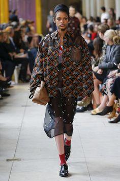 Miu Miu Spring 2018 Ready-to-Wear Collection Photos - Vogue