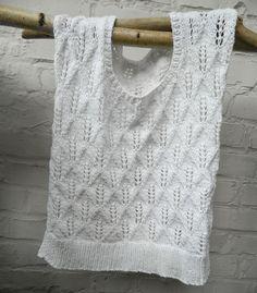 Ancient pattern Fresh white knit yourself happy Ancient pattern Fresh white knit yourself happy Knitting Blogs, Sweater Knitting Patterns, Knitting Projects, Baby Knitting, Crochet Baby, Knit Crochet, Crochet Patterns, Girls Knitted Dress, Knit Baby Dress
