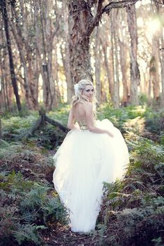 Amazing 131 Pre Wedding Photoshoot Ideas You Should Try https://weddmagz.com/131-pre-wedding-photoshoot-ideas-you-should-try/