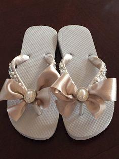 Flip Flops Diy, Ribbon Flip Flops, Wedge Flip Flops, Flip Flop Shoes, Converse Wedding Shoes, Wedge Wedding Shoes, Beach Wedding Shoes, Bride Shoes, Wedding Wedges