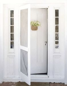 i am quite captivated by that old farmhouse style screen door! My Fave type of screen door! Front Door With Screen, Wooden Screen Door, Screen Doors, Front Doors, Porch Doors, Windows And Doors, Interior And Exterior, Interior Design, Farmhouse Front
