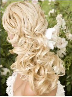 Simple wedding hair curly