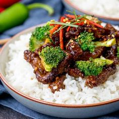 Crispy Chilli Beef with Broccoli. This Crispy Chilli Beef with Broccoli is our go-to Chinese stir fry! - Easy to make gluten free too! Crispy Chilli Beef, Crispy Chicken Burgers, Slow Cooked Beef, Beef Stir Fry, Meat Recipes, Asian Recipes, Ethnic Recipes, Chinese Recipes, Recipies