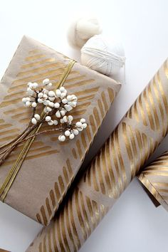 Gold, white and kraft paper wrapping//