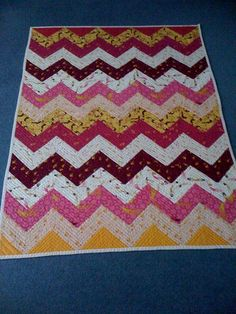 Beautiful Mendocino zig-zag quilt and check out that quilting!