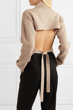Le Fashion: The Trendy Open-Back Sweater I'm Going to Wear All Season Fashion Days, Autumn Fashion, Fashion Outfits, Cool Style Outfits, Knit Tie, Black Trousers, Casual Dresses, Turtle Neck, Sweaters