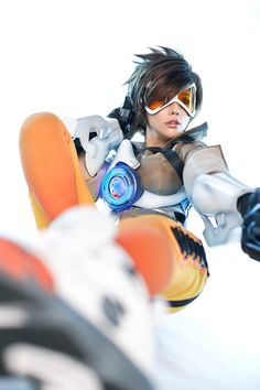 Overwatch: Coreana faz cosplay impressionante de Tracer