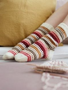Knitted socks in ivory with green, yellow, cranberry and pink stripes – socken stricken Fair Isle Knitting, Knitting Socks, Free Knitting, Knitting Patterns, Crochet Patterns, Knitting Machine, Vintage Knitting, Stitch Patterns, Knitting Projects