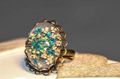 Ring mit echten Blüten von Bling-Bling Boutique auf DaWanda.com