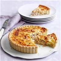 A Quiche Lorraine recipe by Mary Berry on HOUSE - design, food and travel by House & Garden. Great British Bake Off, Mary Berry Quiche Lorraine, Best Quiche Lorraine Recipe, Best Quiche Recipe Ever, Lorraine Recipes, Easy Quiche, Yummy Quiche, Keto Quiche, Classic French Dishes