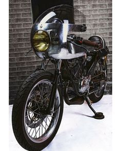 Yamaha RD 135 Cafe Racer - Daniel - Recar Motos - Serrano Racing #motorcycles #caferacer #motos | caferacerpasion.com