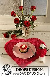 Ravelry: 0-533 Crochet Valentine heart-shaped table mat and serviette ring pattern by DROPS design