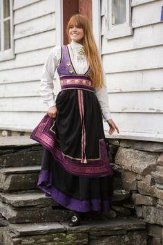 Fjellrosa festdrakt til dame i lilla Victorian, Dame, Dresses, Fashion, Vestidos, Moda, Fasion, Dress, Gowns