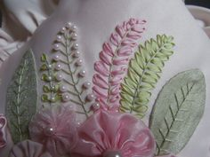 Embroidery Tutorials learn to do fern leaves silk ribbon embroidery by Lisa Jones. Embroidery Designs, Ribbon Embroidery Tutorial, Embroidery Leaf, Silk Ribbon Embroidery, Hand Embroidery Patterns, Embroidery Stitches, Embroidered Silk, Embroidery Kits, Embroidery Books