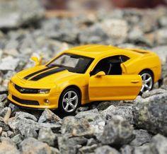 yellow Atlas 1:43 Opel Speedster 2000-2005