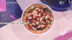 """""""Detto Fatto"""": la ricetta della pizza con le scarole di Ciro Salvo del 15 aprile 2016."""
