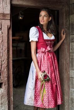 Dirndl Doris | Exklusive Alpentrachten | Dirndl | Dirndl.com