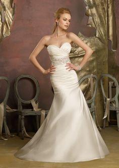 Wedding dresses for short brides flattering wedding dress short wedding dresses for short brides flattering wedding dress short bride and wedding junglespirit Gallery