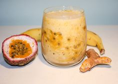 This is a sweet tropical blend that is simply delicious, packed with fruits from the islands and is loaded with a dose of anti-inflammatories! Turmeric Smoothie, Juice Smoothie, Smoothie Drinks, Healthy Smoothies, Healthy Drinks, Smoothie Recipes, Power Smoothie, Green Smoothies, Healthy Eating