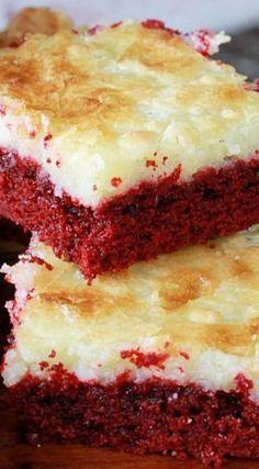Red Velvet Gooey Butter Cake Recipe Amazing Cake for birthday Cake Bars, Dessert Bars, Recipe For Ooey Gooey Butter Cake, Butter Recipe, Köstliche Desserts, Dessert Recipes, Italian Desserts, Bolo Cake, Cake Mix Recipes