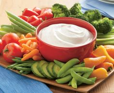 Sour Cream Dip Recipes - Most people love a palate-pleasing dip—and Daisy Sour Cream and Cottage Cheese make good dips taste great. Dip Recipes, Vegetable Recipes, Appetizer Recipes, Cooking Recipes, Sauce Recipes, Delicious Recipes, Appetizers, Ranch Dip Recipe Sour Cream, Sour Cream Dip