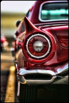 1957 thunderbird . . . such a classy car . . .