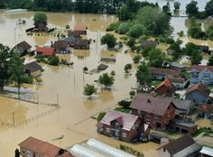More rising waters are expected Sunday evening near Sabac, a city in western Serbia along the Sava River. | 20 Heartbreaking Photos Of The Deadly Floods In Serbia, Bosnia
