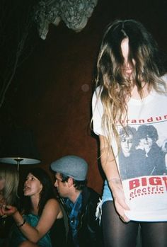 Find images and videos about girl, photography and grunge on We Heart It - the app to get lost in what you love. Acacia Brinley, Violet Hair Colors, Purple Hair, Soft Grunge, Grunge Style, Best Beauty Tips, Beauty Hacks, Smells Like Teen Spirit, Teenage Dirtbag