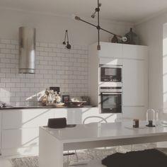 Pienen pojan äidin, elämästä nautiskelijan ja esteetikon ylläpitämä lifestyleblogi. Interior design, food and the beautiful things in life.