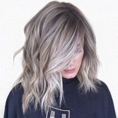 Gray Balayage Highlights With Golden Babylights Silver Hair Highlights, Hair Highlights And Lowlights, White Highlights, Oblong Face Hairstyles, Grey Hair Inspiration, Gray Hair Growing Out, Ash Blonde Balayage, Transition To Gray Hair, Hair Color Techniques