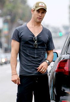 Chris Hemsworth . . . drool!