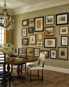 Home Decoration Boho Dining Room- Gallery wall love the mix of wood and metal frames.Home Decoration Boho Dining Room- Gallery wall love the mix of wood and metal frames Home Goods Decor, Traditional Interior, Modern Traditional, Dining Room Design, Dinning Room Paint Ideas, Dining Area, Design Room, Round Dining, Outdoor Dining