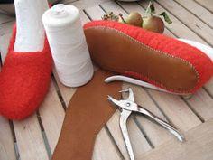 Knitted Slippers, Slipper Socks, Ravelry, Knitting For Kids, Drops Design, Chrochet, Ugg Australia, Diy And Crafts, The Incredibles