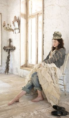 Magnolia Pearl, Bohemian Lifestyle, Romantic Outfit, Quirky Fashion, Layered Look, Vintage Fabrics, Barefoot, Imagination, Shabby Chic