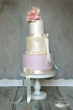 Svadobná torta v štýle vintage.. torta, Autorka: Lorna