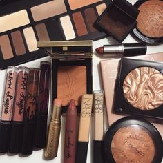Discovered by 爱人. Find images and videos about beauty, makeup and make up on We Heart It - the app to get lost in what you love. Pretty Makeup, Love Makeup, Makeup Inspo, Makeup Inspiration, Stunning Makeup, Amazing Makeup, Fall Makeup, Makeup Set, Makeup Storage