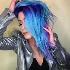 Save money and get great hair color at home with these reader-approved finds Love Hair, Great Hair, Gorgeous Hair, Pulp Riot Hair Color, Haircuts For Fine Hair, Mein Style, Grunge Goth, Bright Hair, Dye My Hair